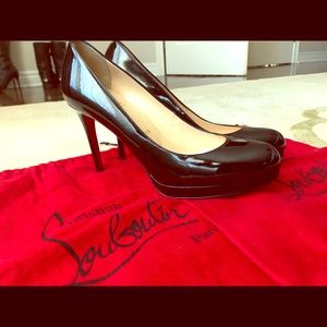 Christian Louboutin Shoes - Christian Louboitin Patent leather - Simple Pump
